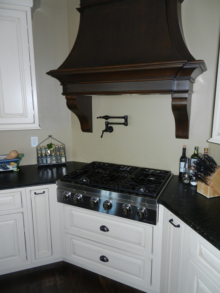 Kitchens-Baths/DSCN3214_kitchen_sink___hood.jpg